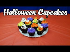 Amazing Halloween ghost cupcakes