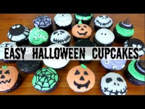 DIY Halloween Treats | 10 Halloween Cupcakes