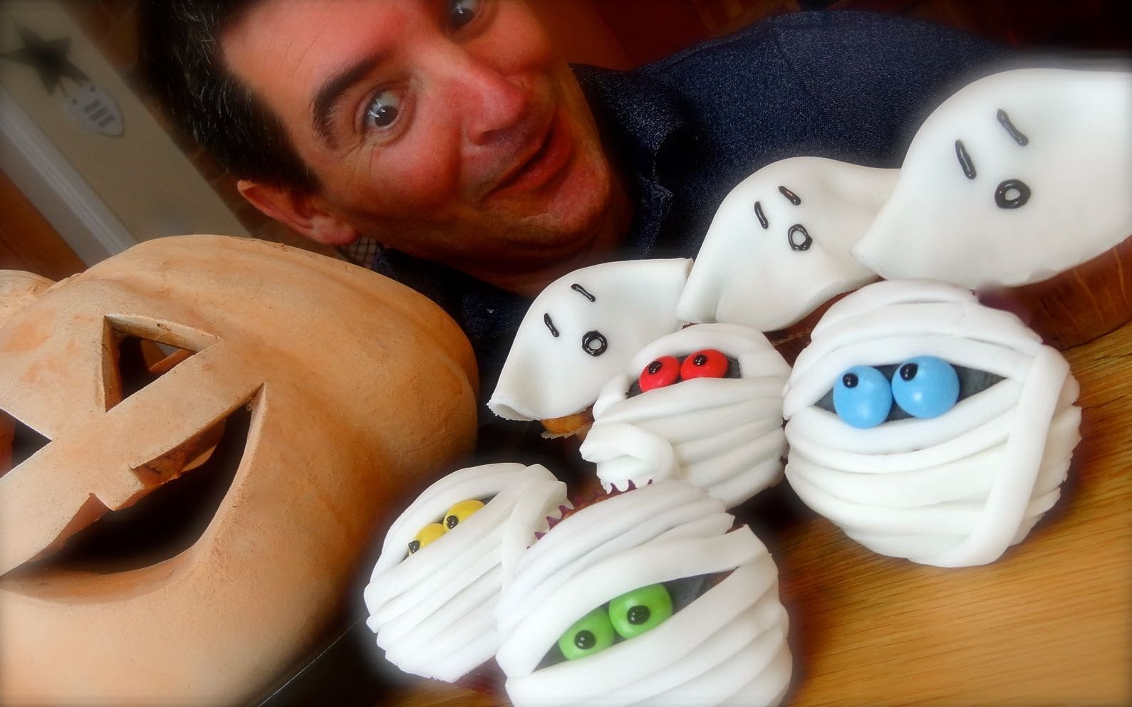 Halloween Cupcakes: Ghouls and Mummy style